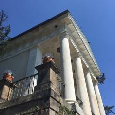 Ein antiker Tempel